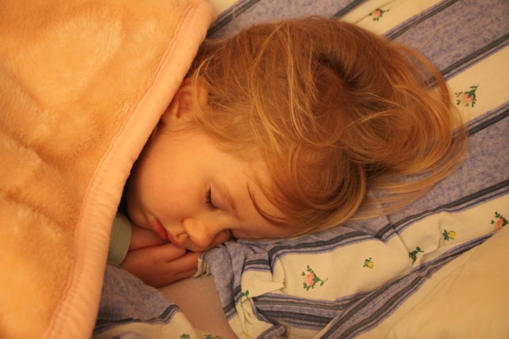 tylko kochane dziecko może spać tak spokojnie